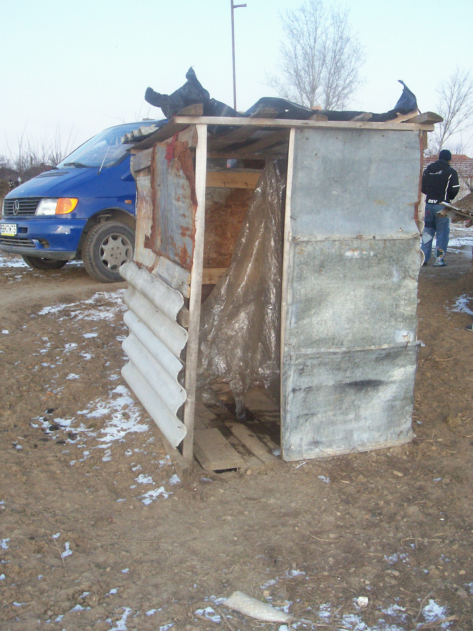 outhouse2006.jpg